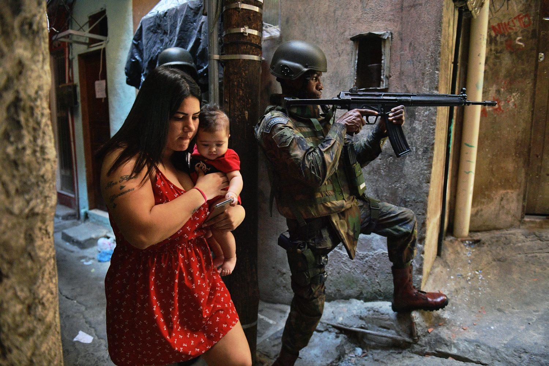 Cena da ocupação militar na Rocinha em setembro de 2017. Foto Carl de Souza/AFP