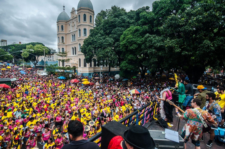 O Bloco Beiço do Wando, em Belo Horizonte: enquanto o Rio assiste a um retrocesso, o Carnaval cresce na capital mineira. Foto Danilo Candombe