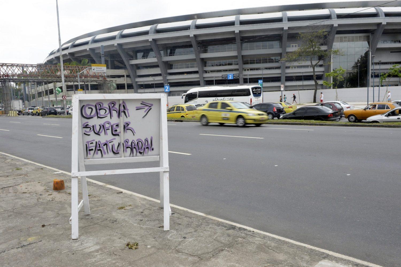 Antigo maior do mundo, o Maracanã sofre com os problemas de gestão e o superfaturamento. Foto Frédéric SOREAU / Photononstop