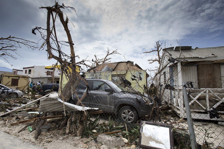 Imagem da ilha de São Martinho após a passagem do furacão. Foto Gerben Van Es/Ministério da Defesa da Holanda