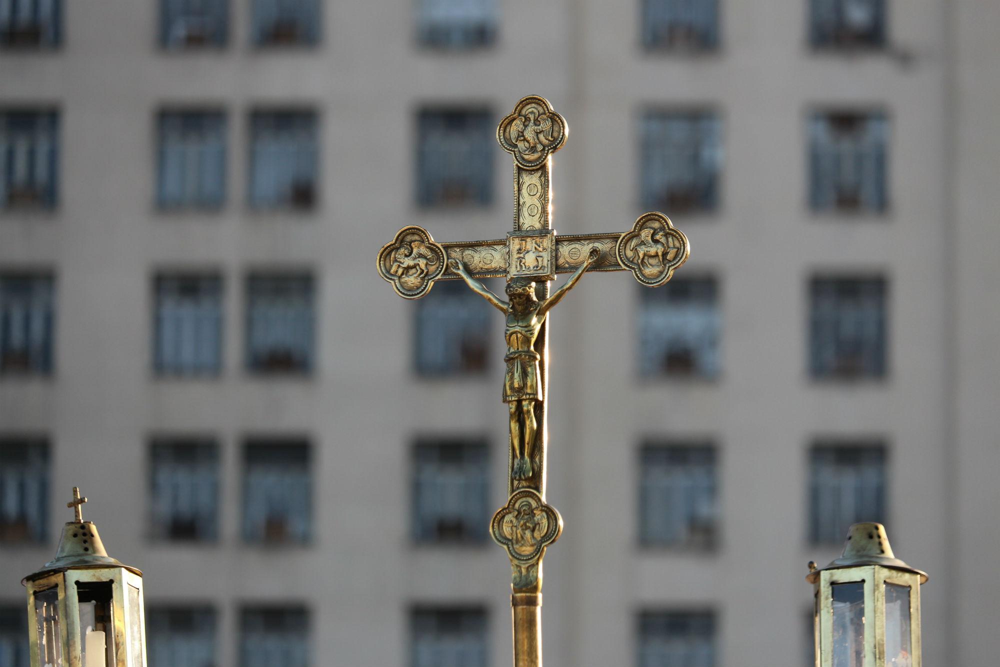 Crucifixo. Foto de Luiz Souza/ NurPhoto/ AFP