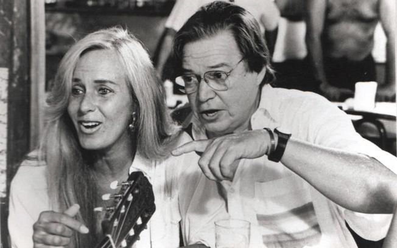 Helô Pinheiro, a eterna musa de Ipanema, ao lado do maestro Tom Jobim. Foto Divulgação