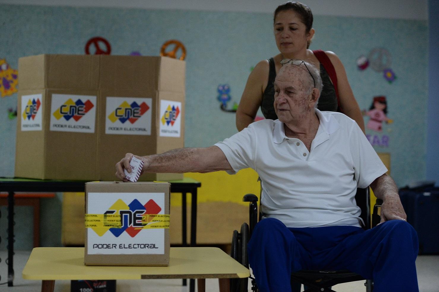 O Partido Socialista Unido da Venezuela (PSUV), liderado pelo presidente Nicolás Maduro, elegeu 18 dos 23 novos governadores. Foto Federico Parra