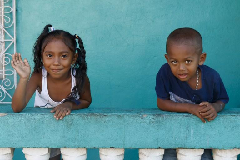 Crianças na Nicarágua: população está vivendo 7,8 anos a mais que o esperado/Foto: Leroy Francis/Hemis