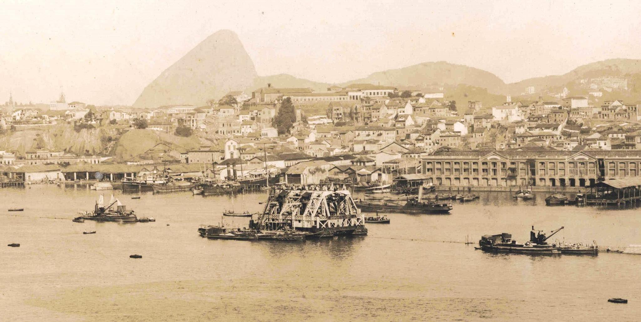 """Fotos da construção do Porto do Rio no início século XX. """"Álbum das Obras do Porto do Rio de Janeiro."""""""
