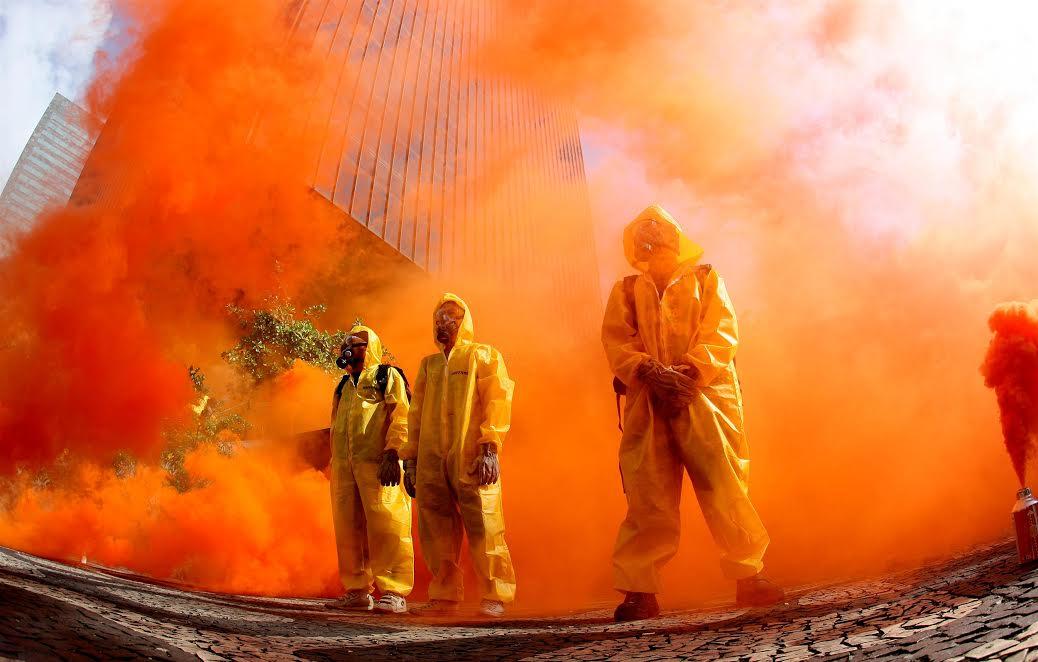 Ativistas do Greenpeace em protesto contra Angra III. Foto de Ivo Gonzalez/ Greenpeace