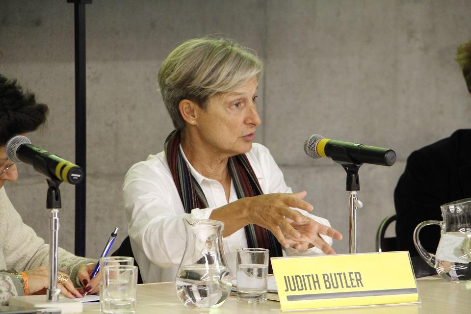 Judith Butler , em 2015, em São Paulo, durante a entrevista coletiva no I Seminário Queer, no Sesc Vila Mariana. Foto Alexandre Gonçalves Jr./Sesc São Paulo