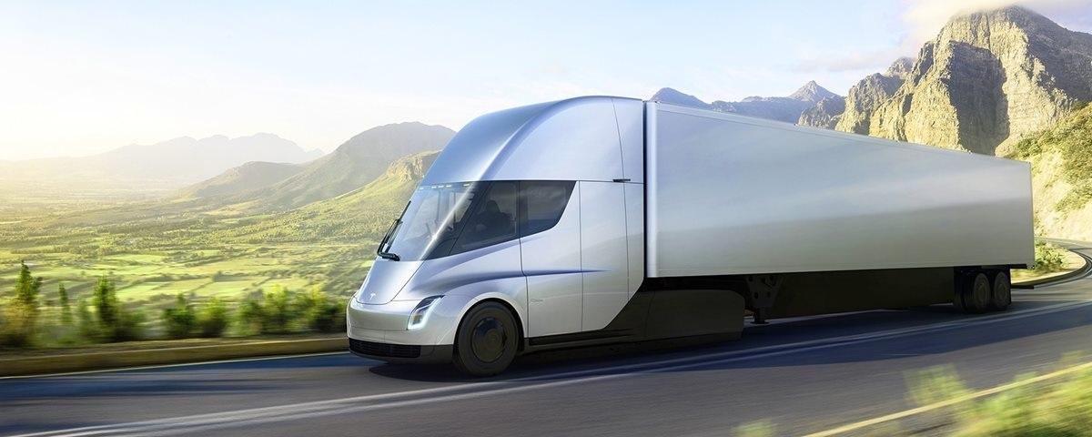 Há duas semanas, a montadora norte-americana Tesla apresentou oficialmente seu primeiro caminhão elétrico: o Semi. Foto Divulgação/Tesla