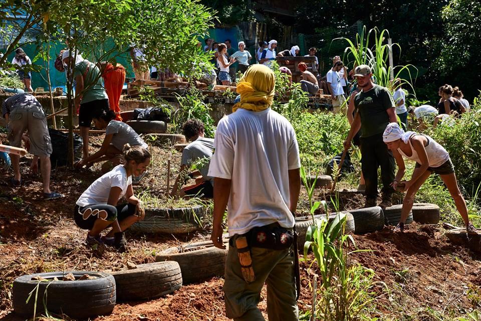 Favela Verde participa de mutirão. Foto Fernando Tribino