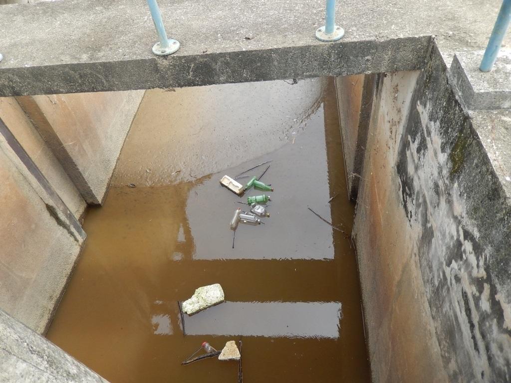 Lixo acumulado no sistema Imunana-Laranjal. Foto Ministério Público/RJ