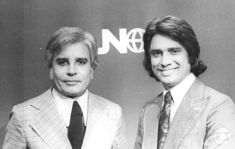 Cid Moreira e Sérgio Chapelin na tradicional bancada do Jornal Nacional. Foto Arquivo da TV Globo