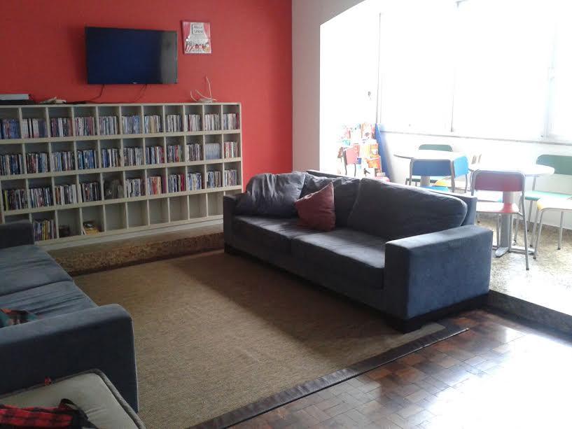 Biblioteca da ONG Marly Cury. Foto de Divulgação