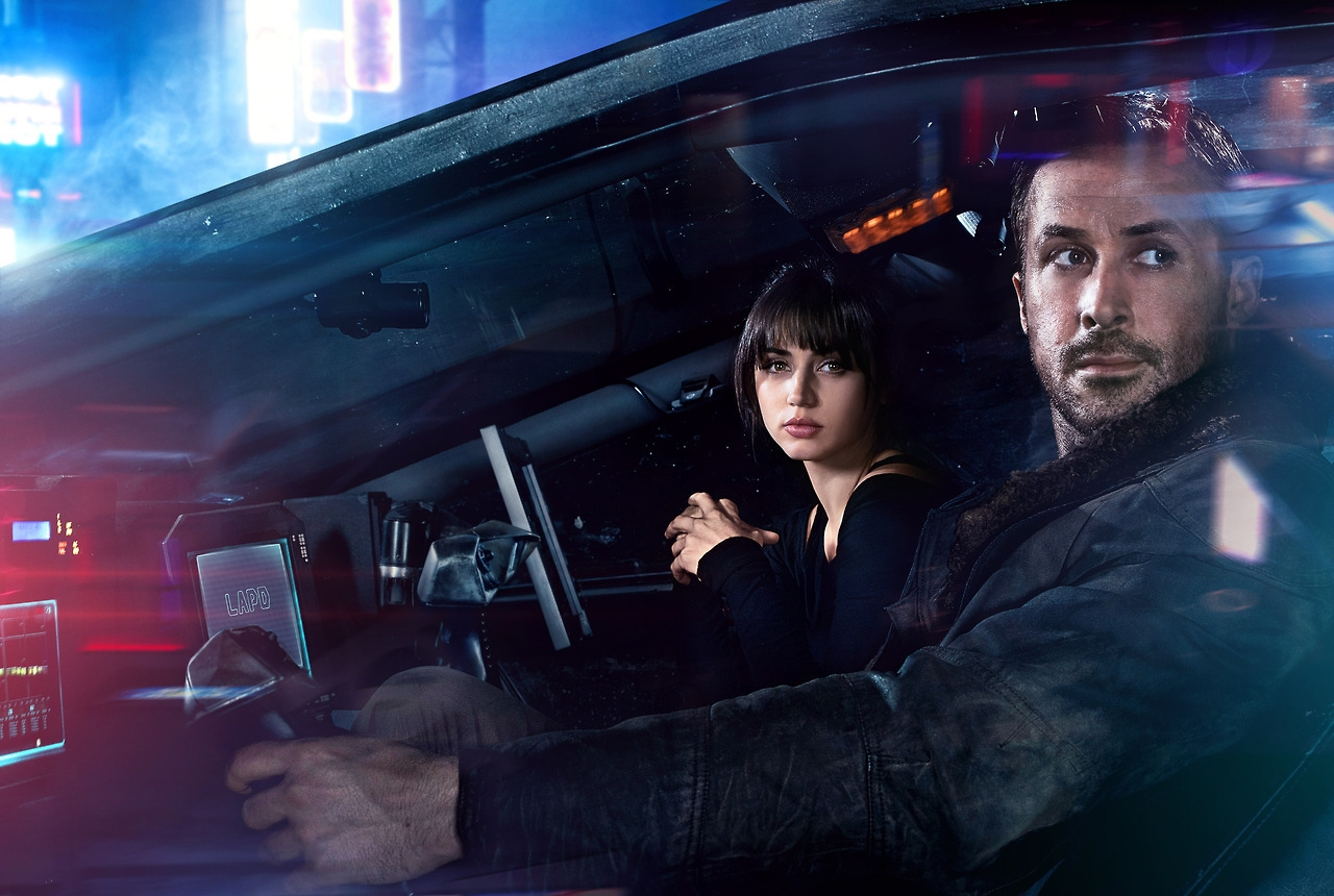 Joi é a companheira virtual do policial K em 2049 (Foto: divulgação)