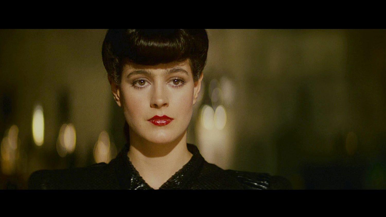 """Rachel, a replicante perfeita, se apaixona por Deckard no """"Blade Runner"""" original (Foto: divulgação)"""