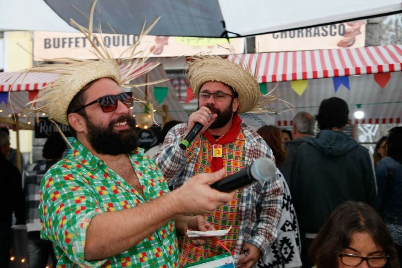 Raphael Vidal comanda a festa de São João ao lado do parceiro Caio Barbosa. Foto Divulgação
