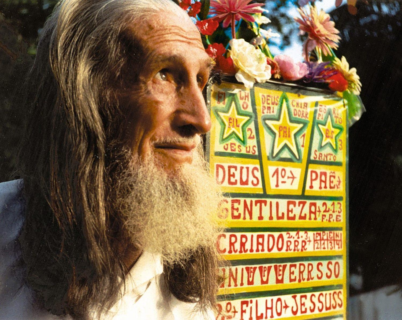 O profeta Gentileza, um dos muitos personagens das ruas do Rio. Foto de divulgação
