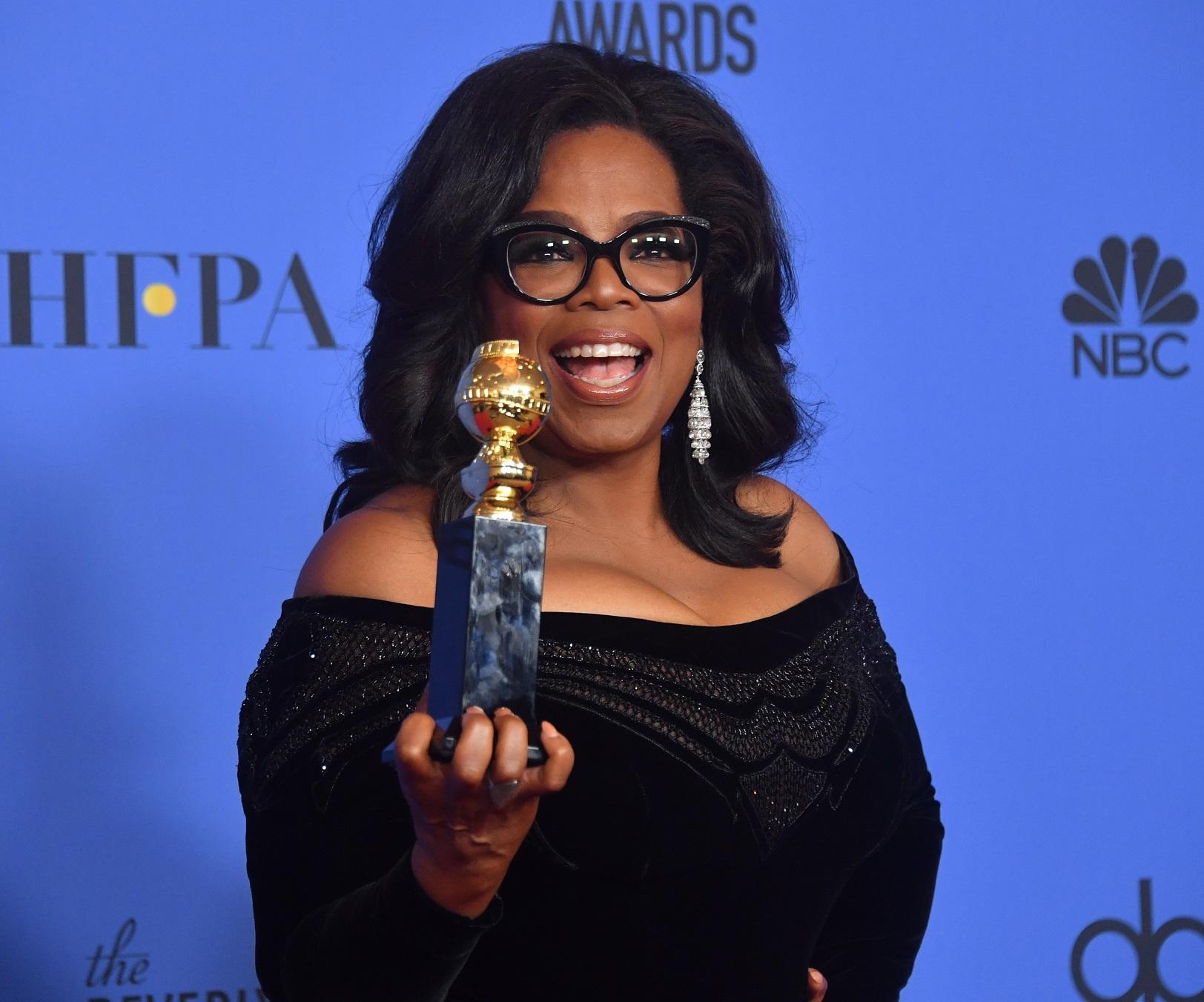 A atriz Oprah Winfrey depois do discurso que fez a cerimônia de entrega do Globo de Ouro. Foto Frederic J.Brown/AFP