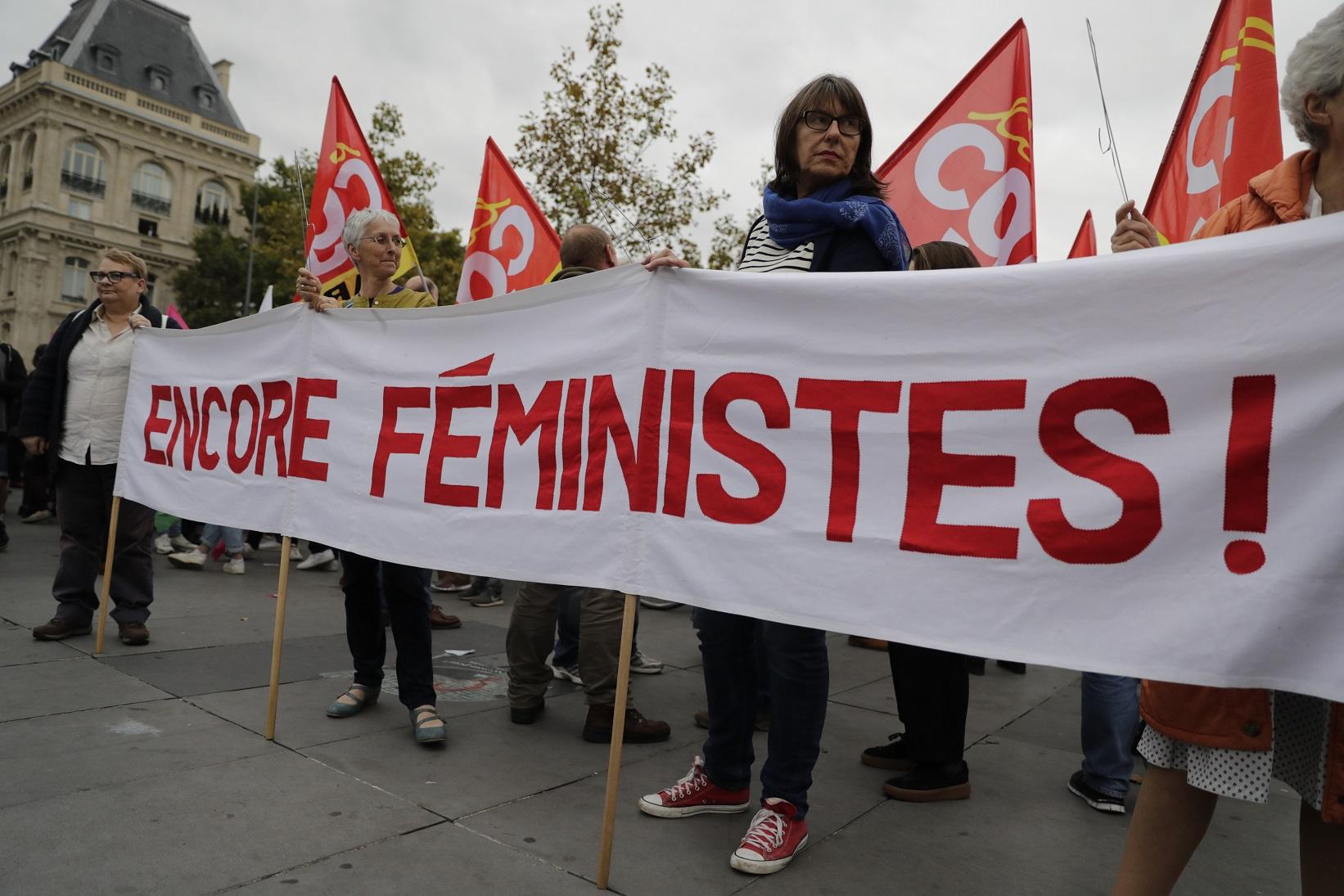 Feministas francesas fazem manifestação em Paris no Dia Mundial do Direito ao Aborto. Foto Thomas Samson/AFP