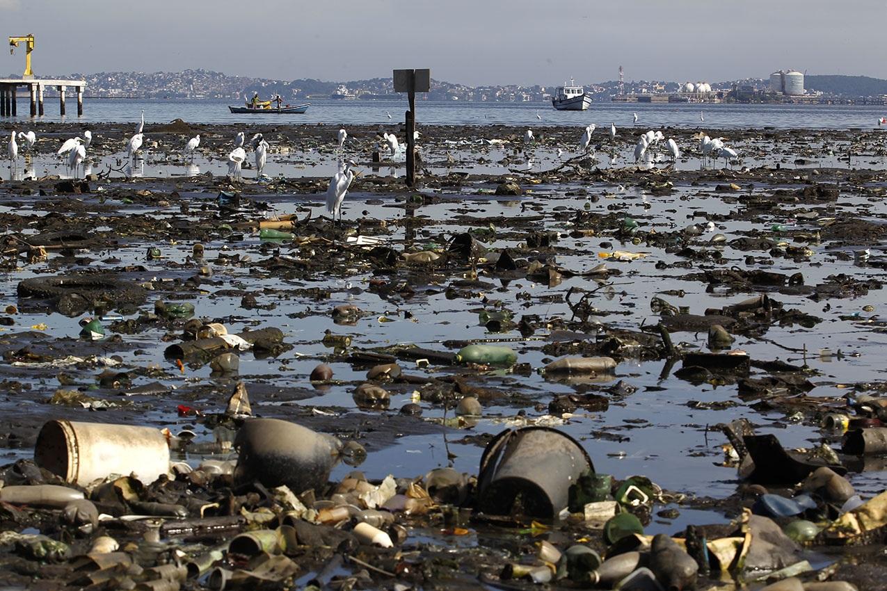 O saneamento no Rio não chega nem perto do ideal, mas privatização pode trazer outras problemas. Foto Custódio Coimbra