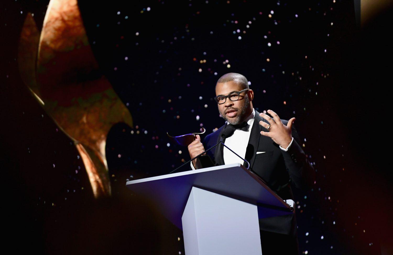 O diretor e roteirista Jordan Peele recebe prêmio por roteiro original do Writers Guild Awards: ele foi indicado aos Oscar (Emma McIntyre/Getty Images/AFP)