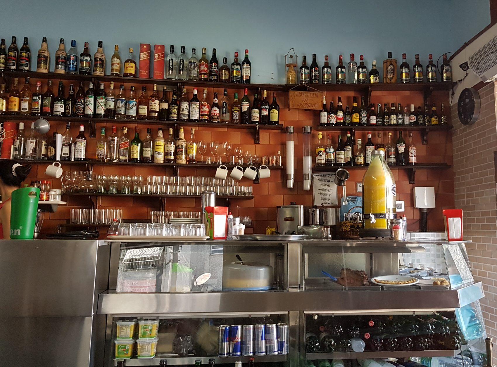 Bestalhão, bar tradicional do bairro (Foto Oscar Valporto)