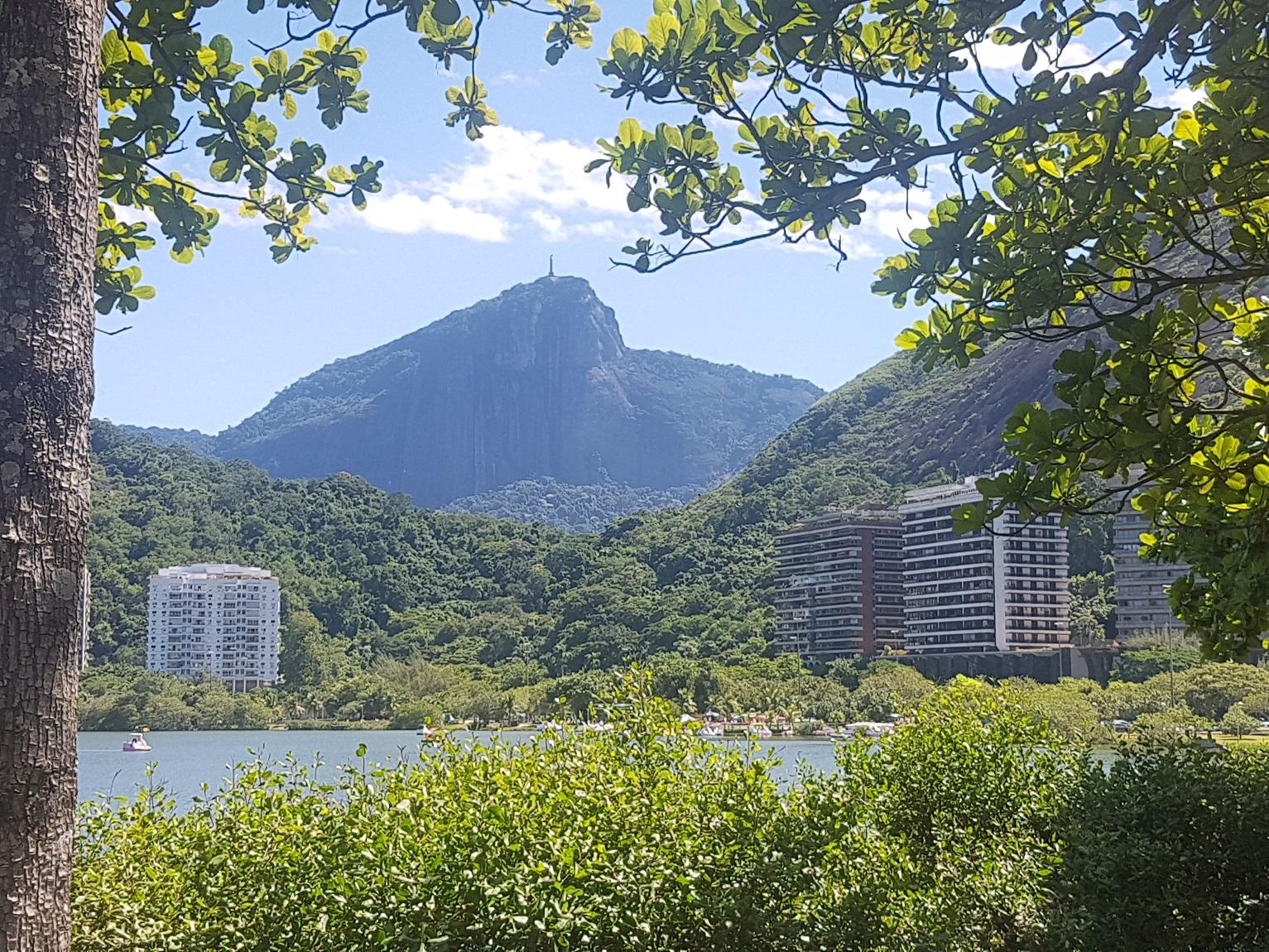 A orla da Lagoa recomeçou a ser ocupada por gente quase 250 anos depois dos tupinambás. Foto Oscar Valporto
