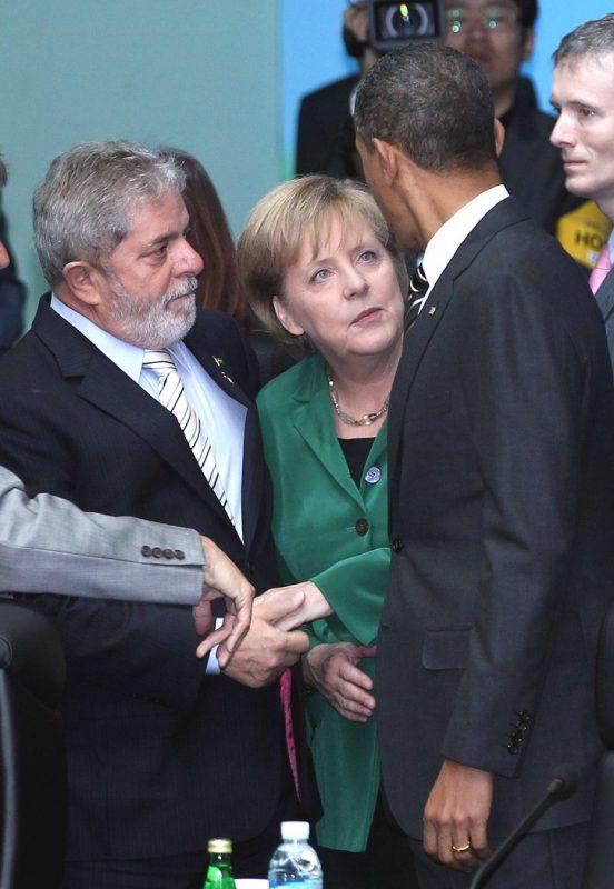 Lula, Merkel e Obama, na reunião do G20, em Seul, em 2010. Foto Yonhap Mídia Pool