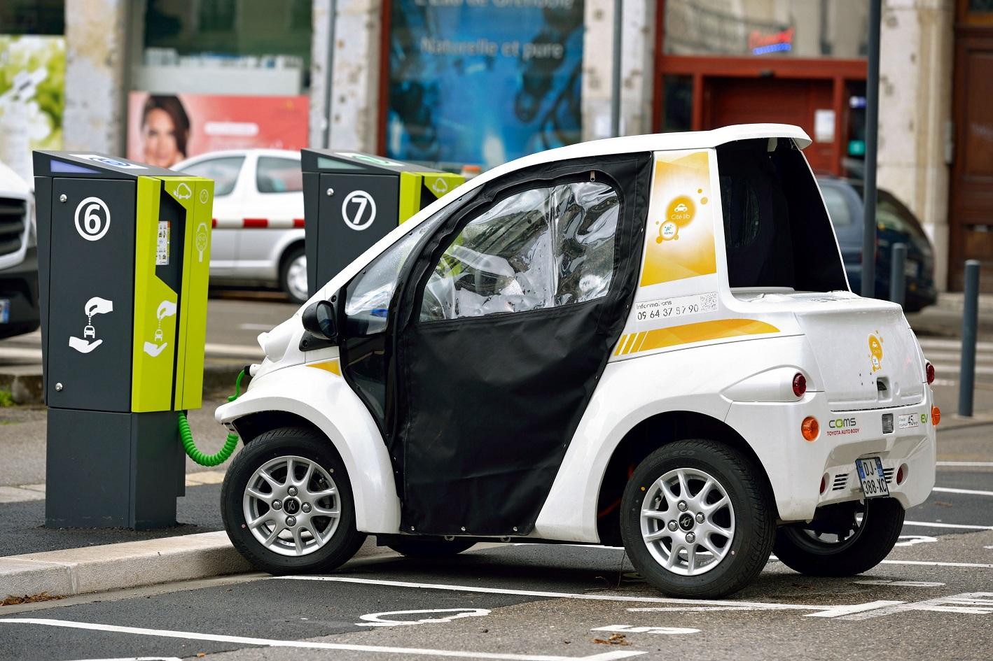 Em 2017, foram 1,2 milhões de veículos elétricos vendidos. no mundo. Foto PHILIPPE ROYER / ONLY FRANCE