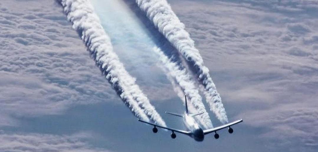 Uma das alternativas estudadas é borrifar dióxido de enxofre na atmosfera para formar nuvens, resfriando artificialmente o planeta. Foto Evolveconsciousness