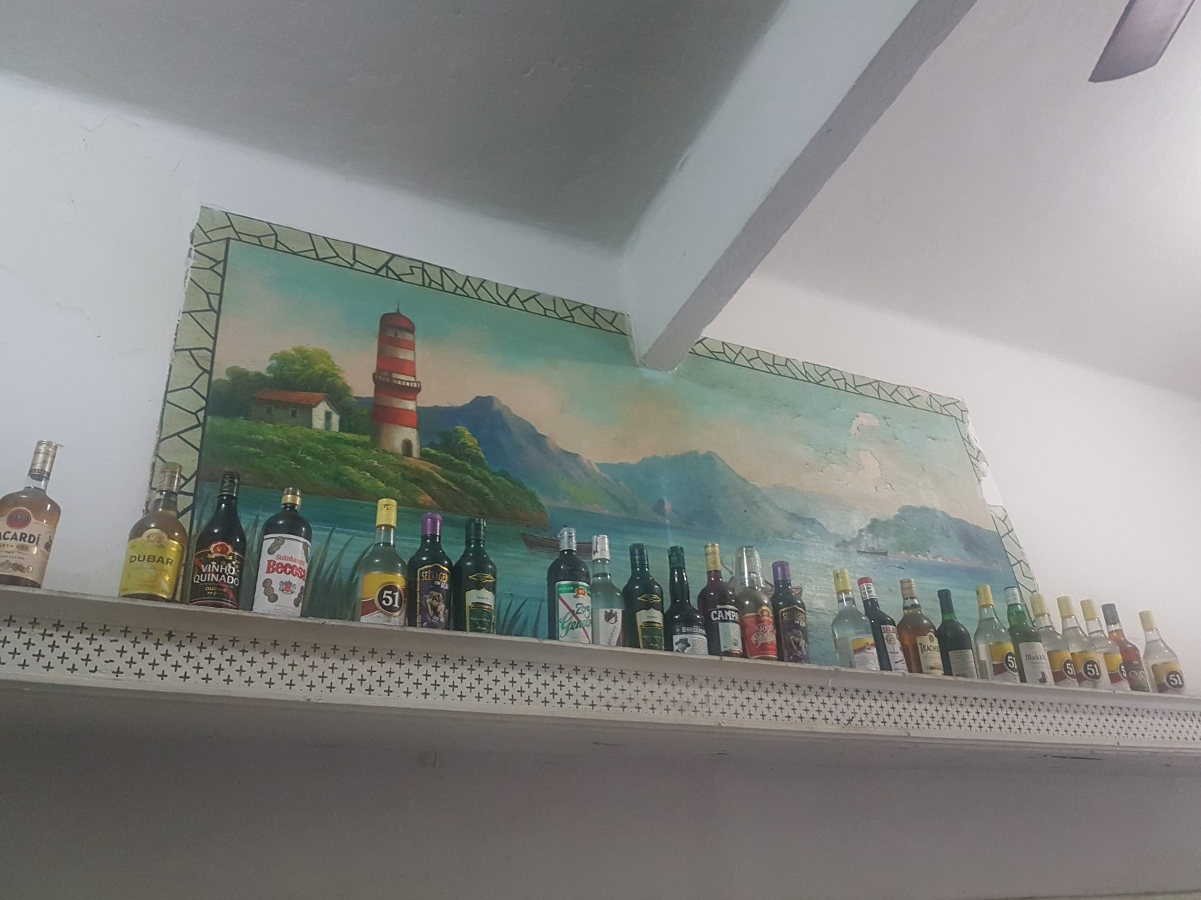 Painel de Nilton Bravo em risco na Gamboa (Foto Oscar Valporto)