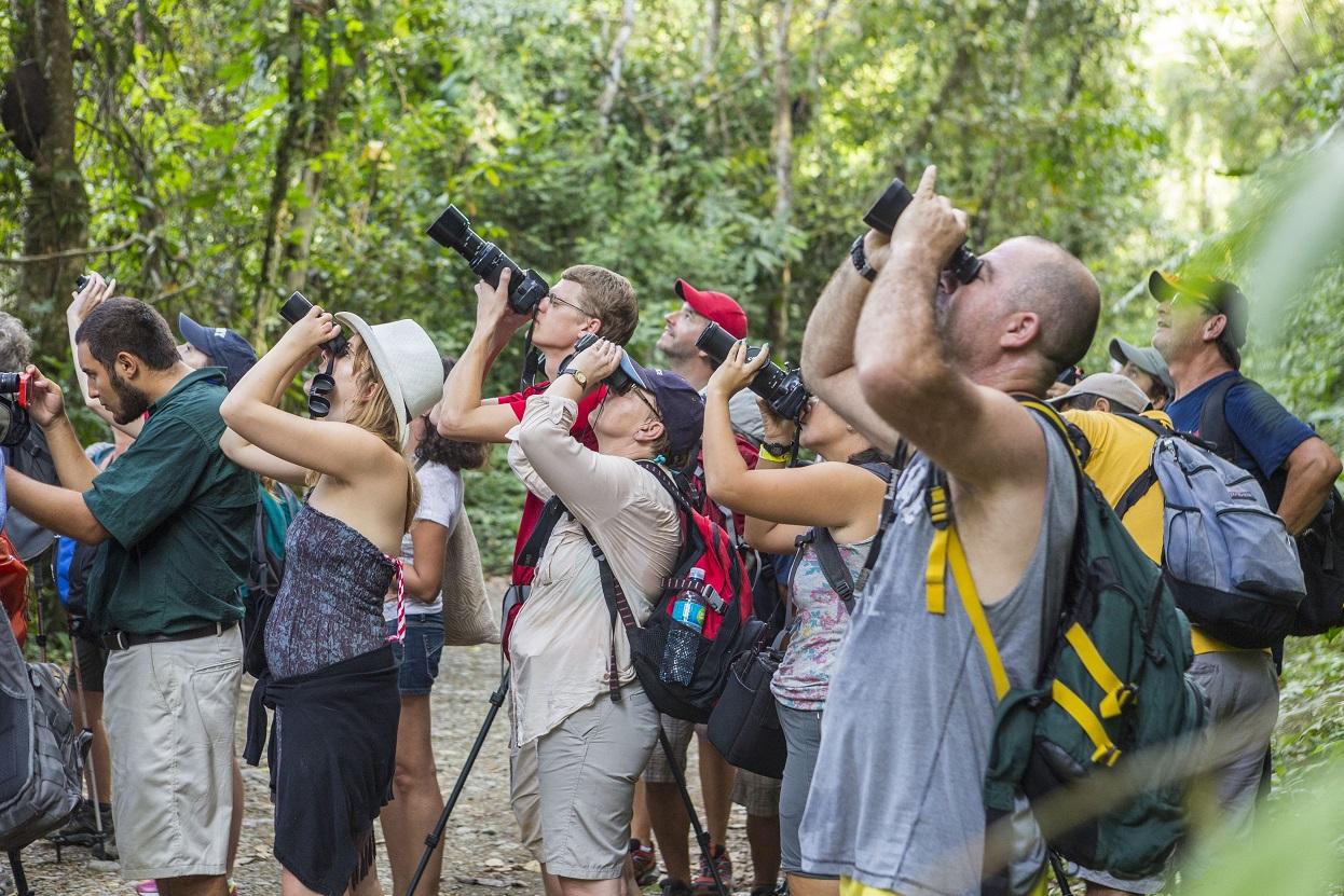 Turistas no Parque Manuel Antonio. O turismo ecológico é uma das principais fontes de divisas do país. Foto Bertrand Gardel/ Hemis/FR