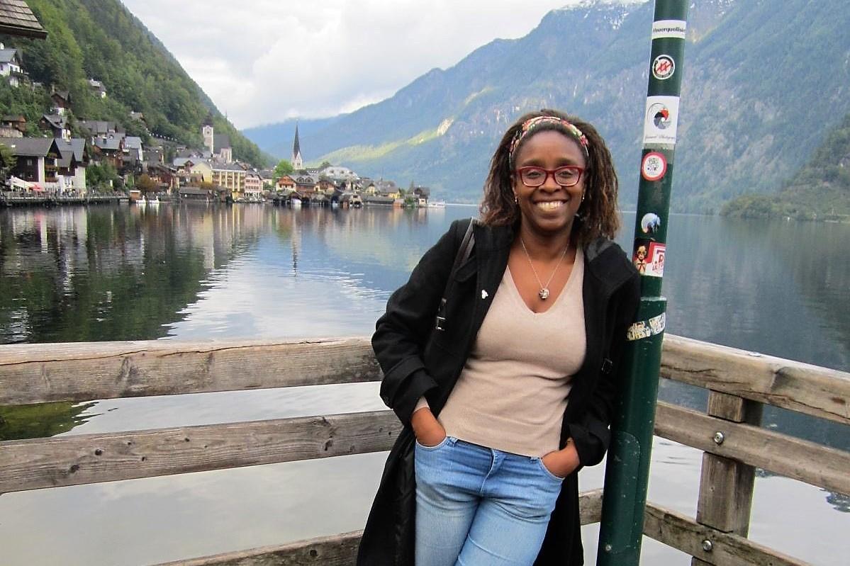 Ana Cristina, no vilarejo de Hallstatt, na Áustria: saída antecipada de Praga, por constrangimento. Foto: Acervo Pessoal