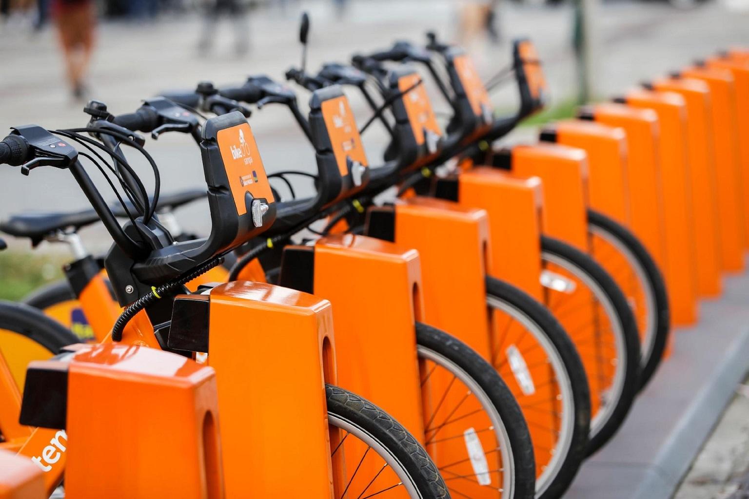 Os novos bicicletários ocupam o equivalente a três vagas de estacionamento., o que provocou protestos de moradores. Foto Divulgação