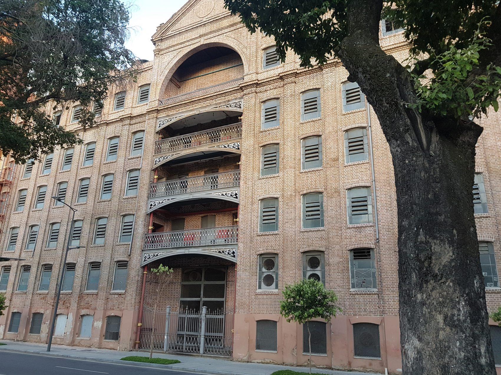 Moinho Fluminense, um dos prédios mais preservados da região (Foto Oscar Valporto)