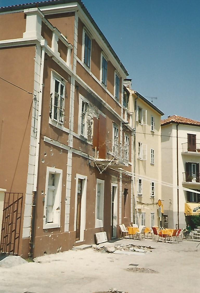 Destruição diária em Zadar (Foto Florência Costa/2/5/1992)