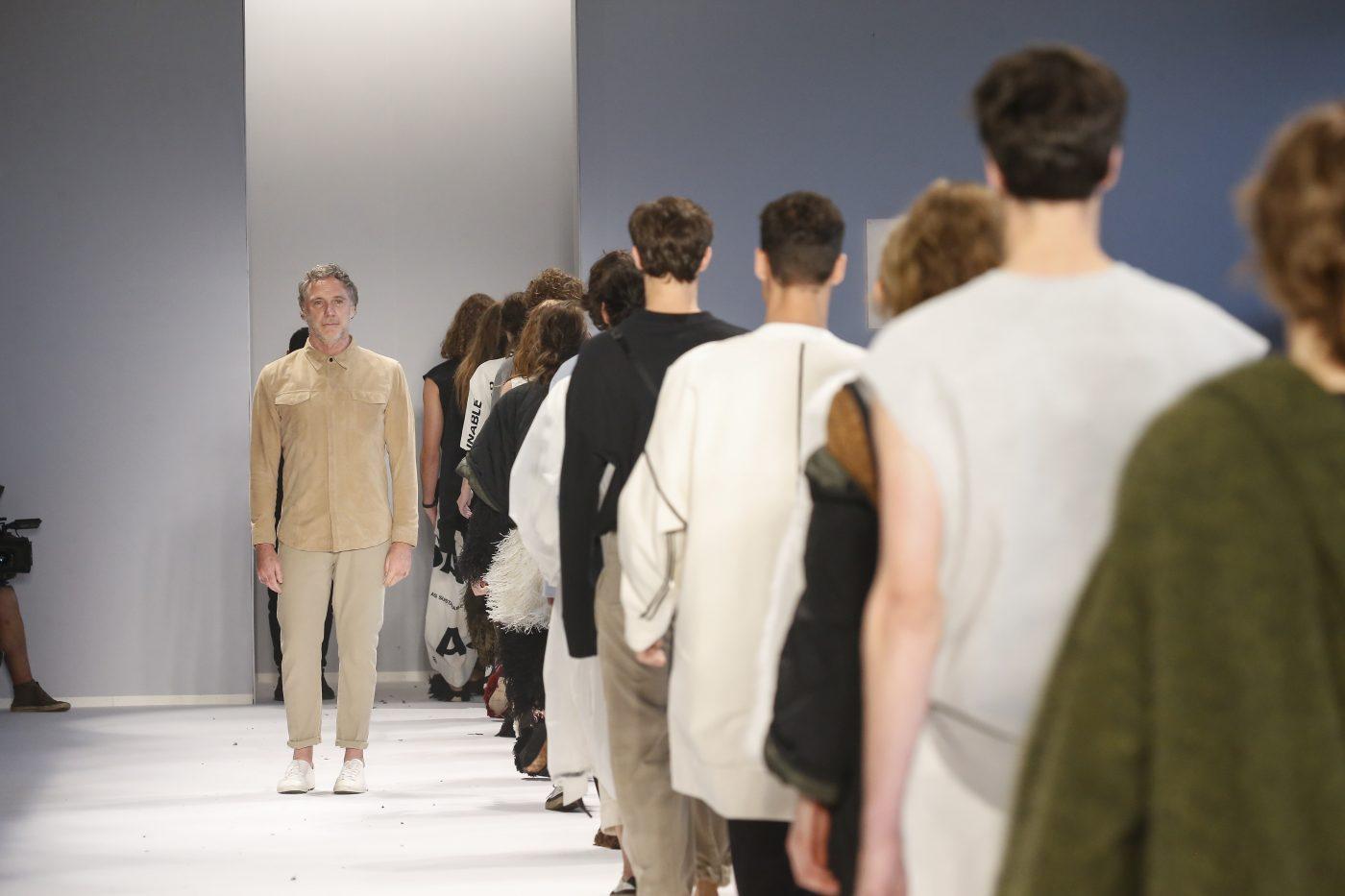 A Osklen desfilou a coleção mais sustentável da sua história na última São Paulo Fashion Week, em abril. Foto: Marcio Madeira /Divulgação)