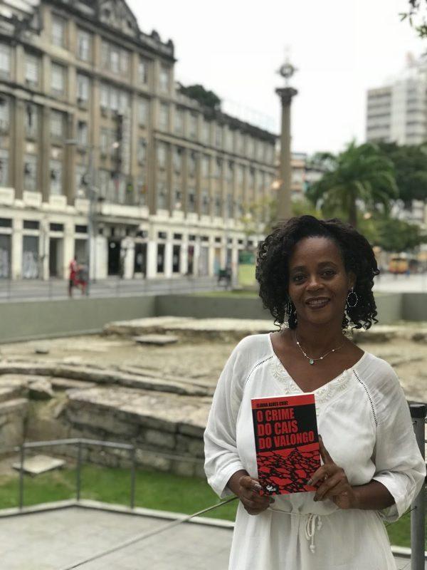 """Eliana Alves Cruz: """"A gente não pode ficar à mercê de uma história única"""". Foto Francisco Jorge"""