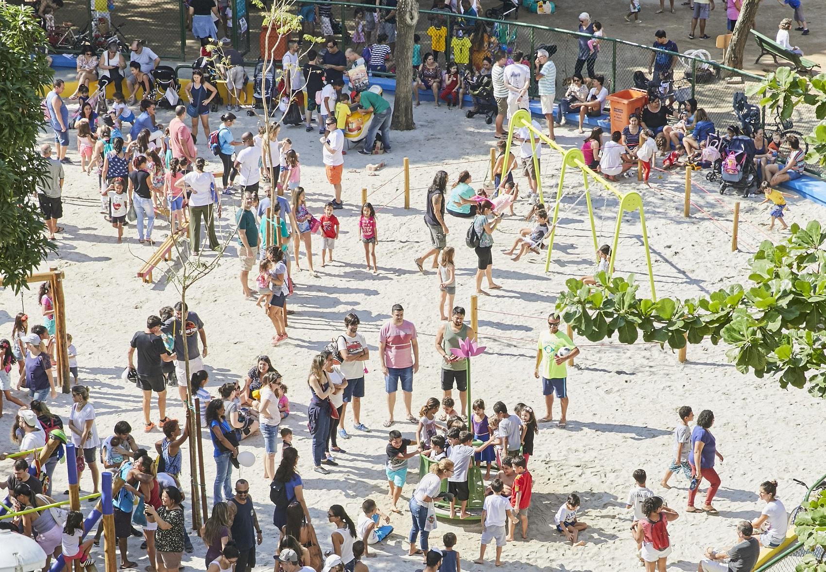 Uma das praças reformadas: lugar de colaboração e brincadeira (Foto Divulgação/Gloob)