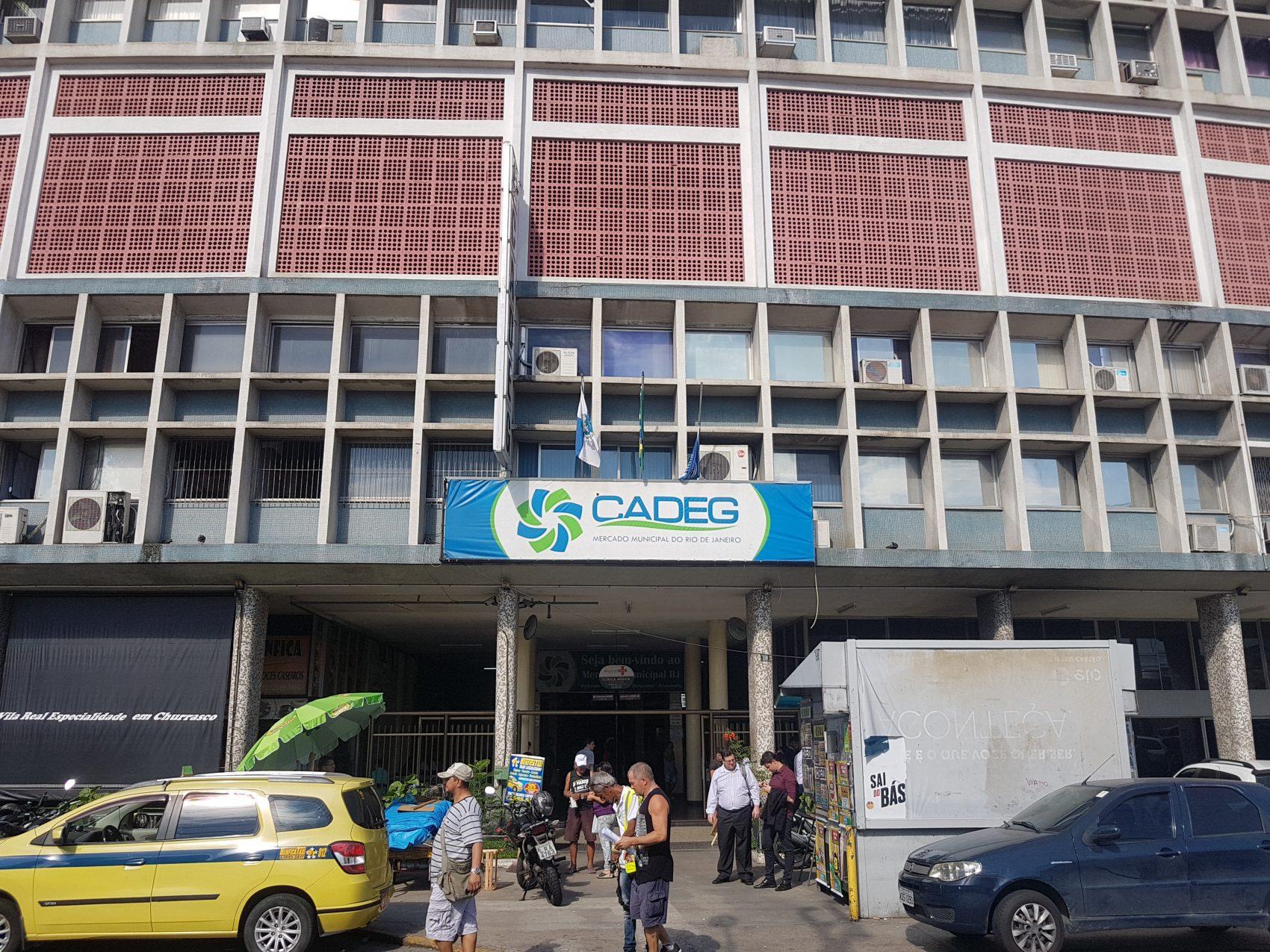"""O Cadeg, o Mercado Municipal do Rio, maantém o charme """"raiz"""" (Foto Oscar Valporto)"""