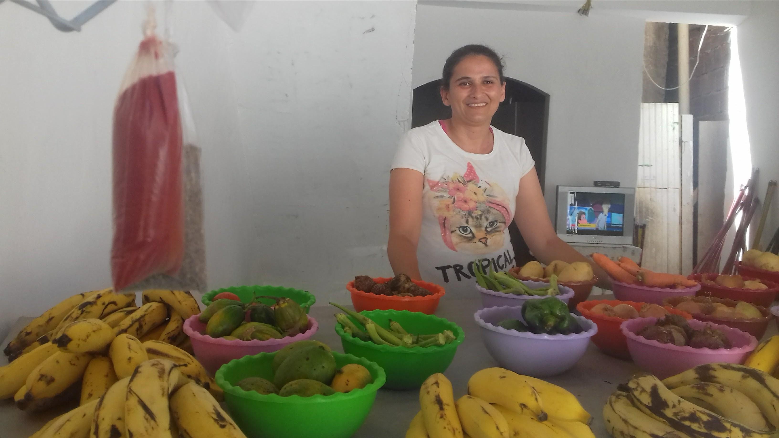 Credito do Banco Bem para barraca de frutas. Foto de Divulgacao