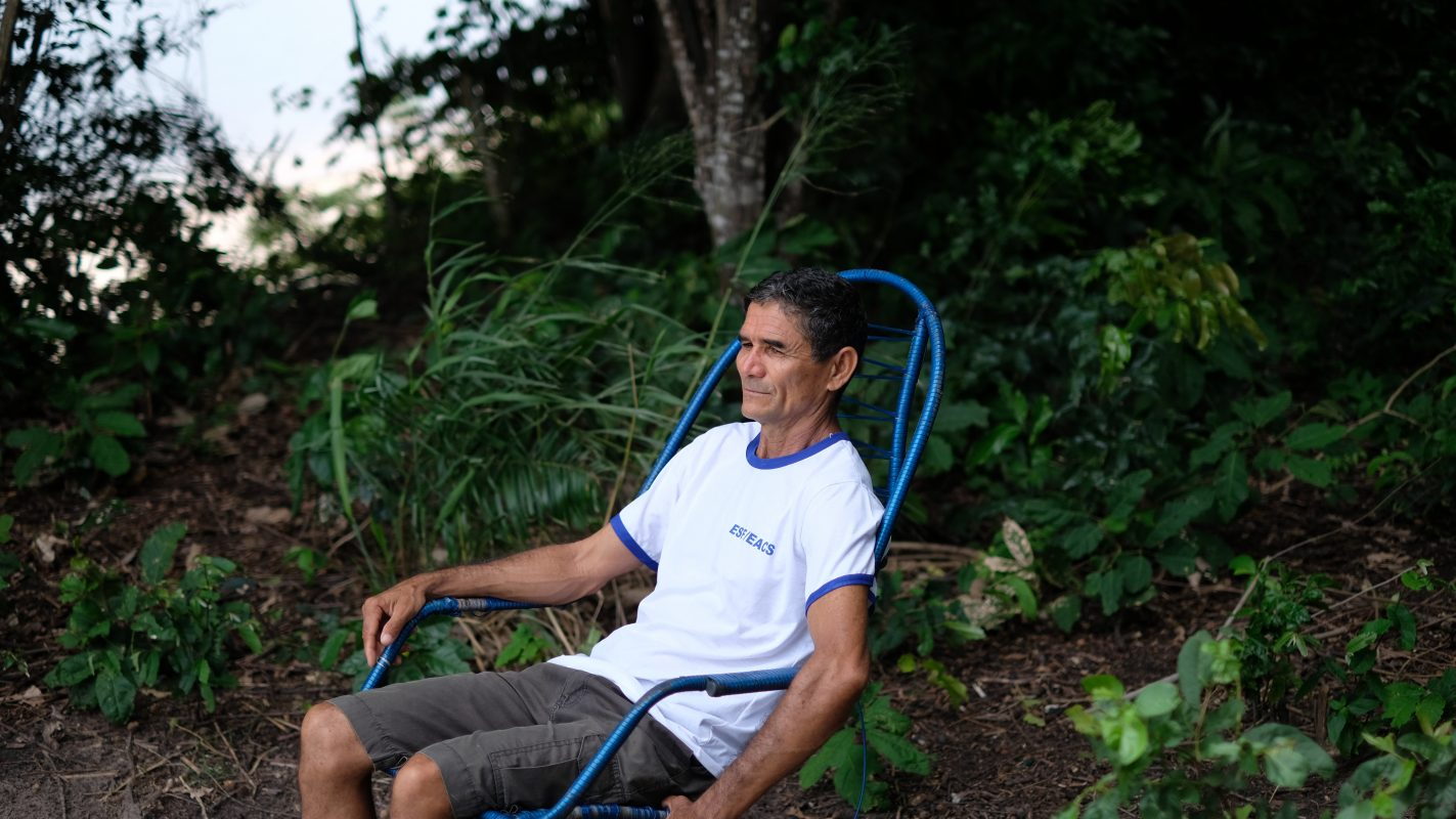 Em 1995, com a instalação do sistema d'água, a vida dos moradores da vila de Suruacá, município de Santarém, começou a mudar