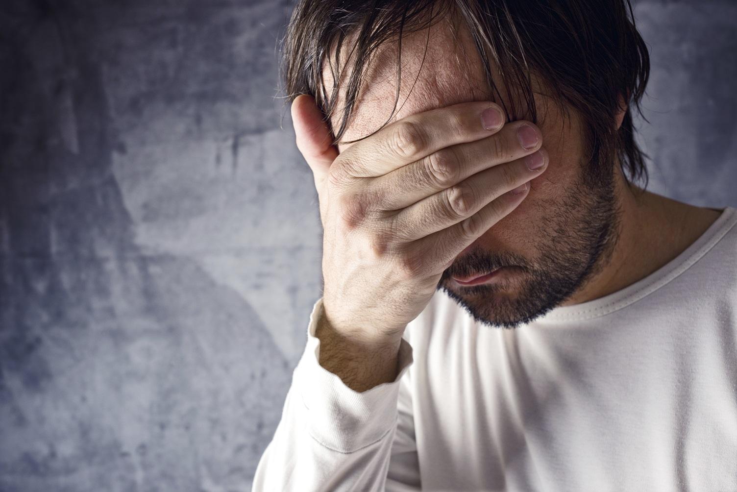 Quase 40 por cento dos adultos ouvidos pela pesquisa disseram ter passado por ansiedade ou estresse no dia anterior. Foto IGOR STEVANOVIC /Science Photo Library