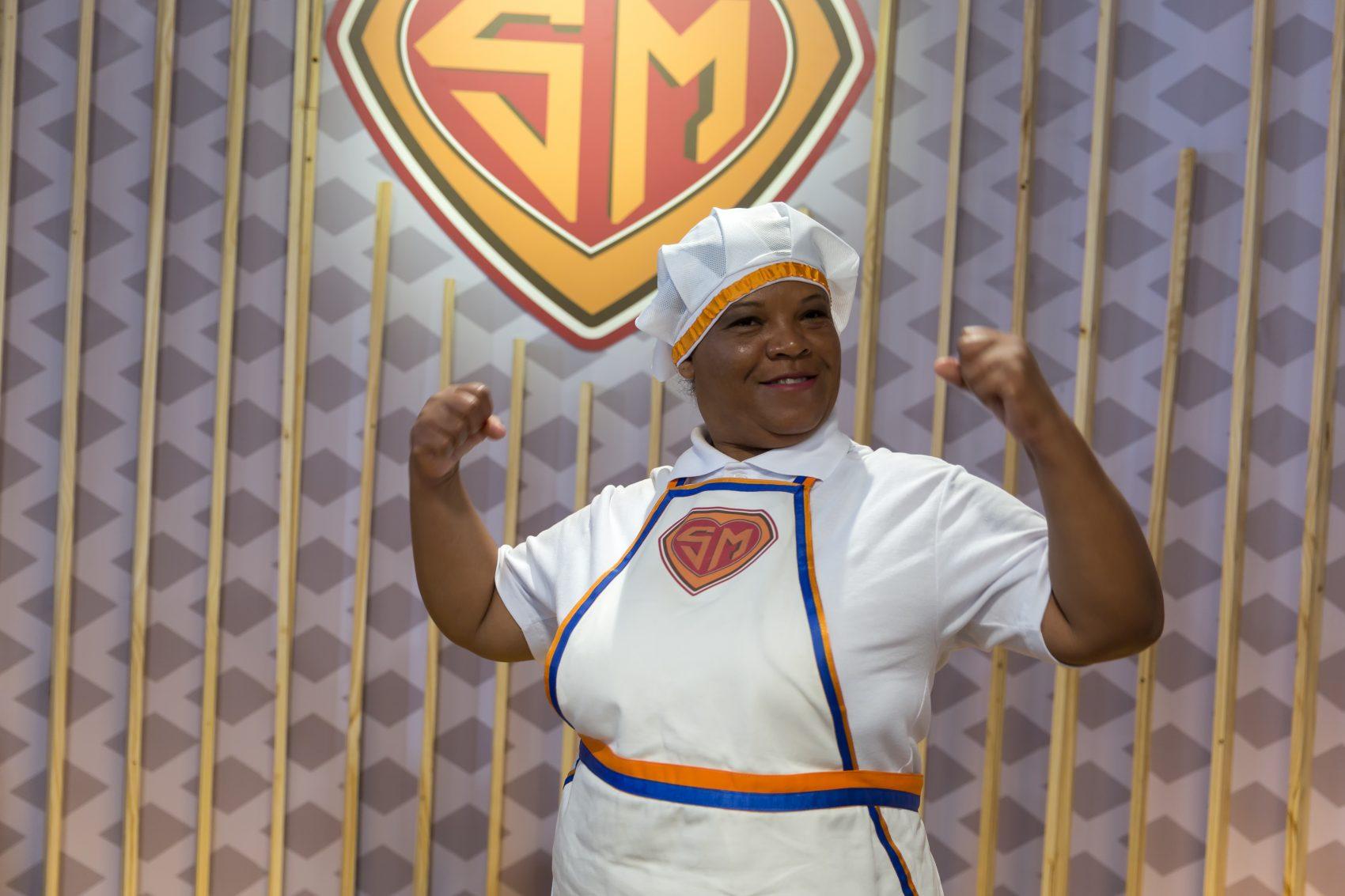 A mineira Luciana Aparecida Pinheiro investe no aproveitamento total de alimentos (foto Carlos Henrique Santos/divulgação TV Escola)