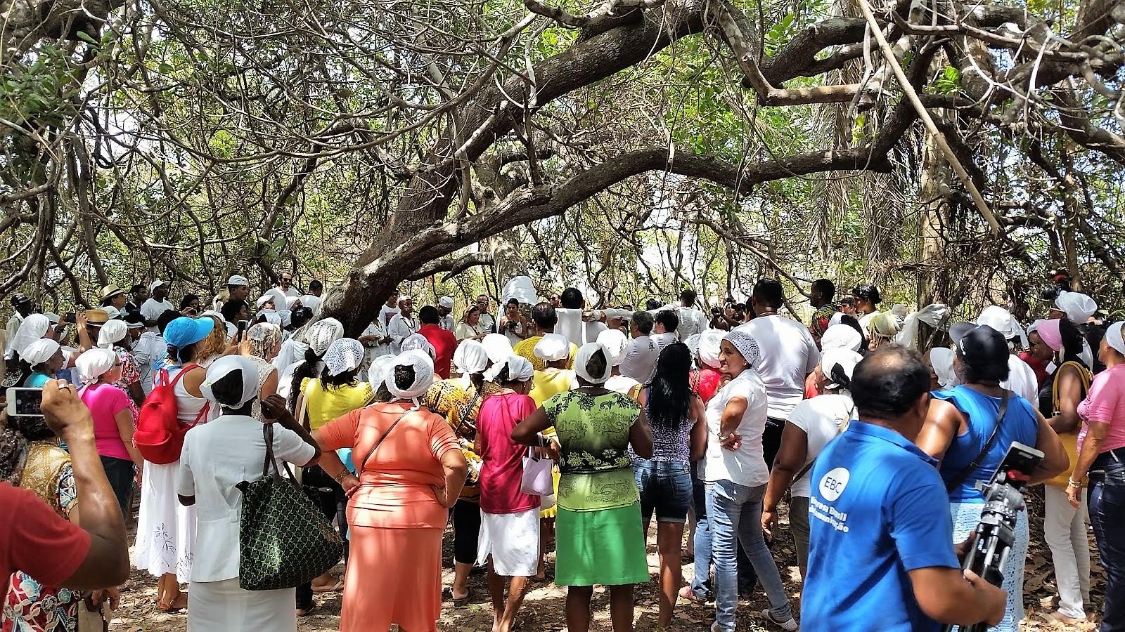 Frequentadores do terreiro querem a preservação do local. Foto: Valéria Sotão