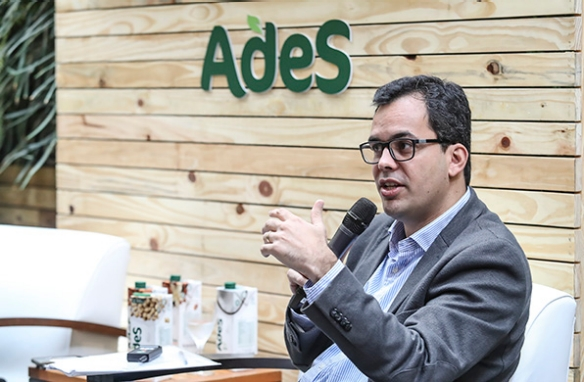 'Desde que adquirimos a marca, abrimos o diálogo para ouvir as pessoas', explica Pedro Massa, diretor de Novos Negócios na Coca-Cola Brasil