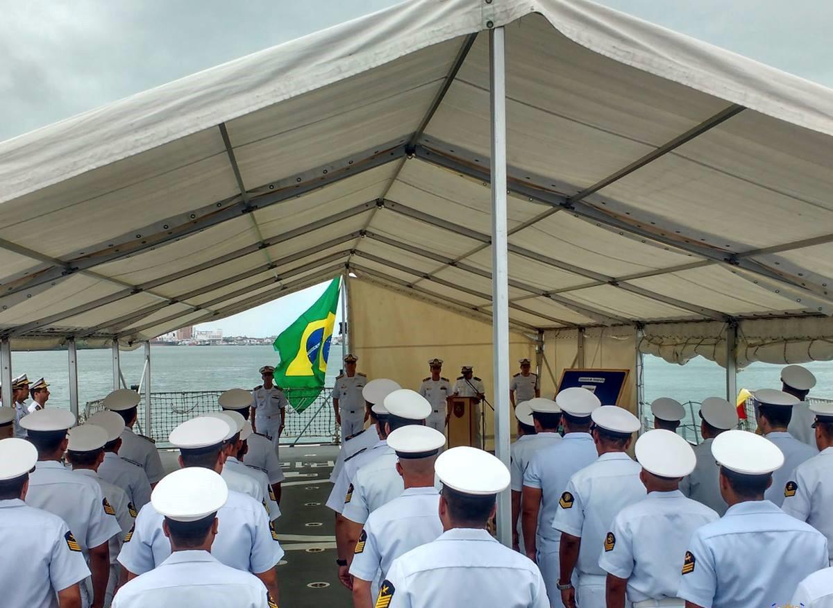 Oficiais da Marinha: trans reclamam de discriminação na carreira militar. Foto: Marinha do Brasil/Facebook/Reprodução