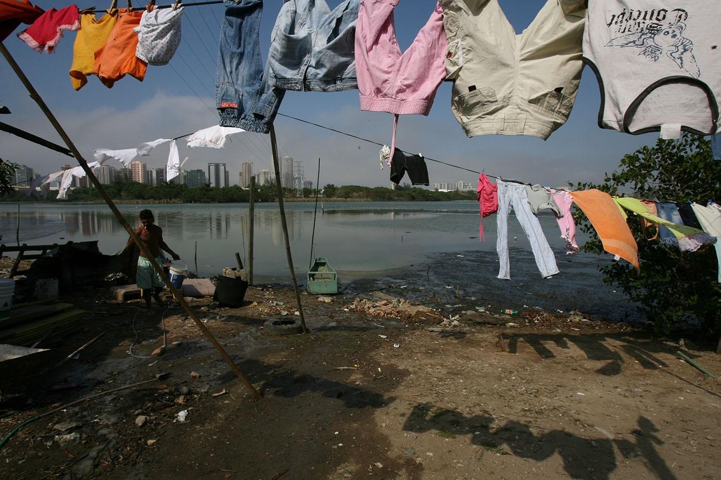 Mais da metade da população brasileira não tem acesso à coleta de esgoto. Foto Custódio Coimbra