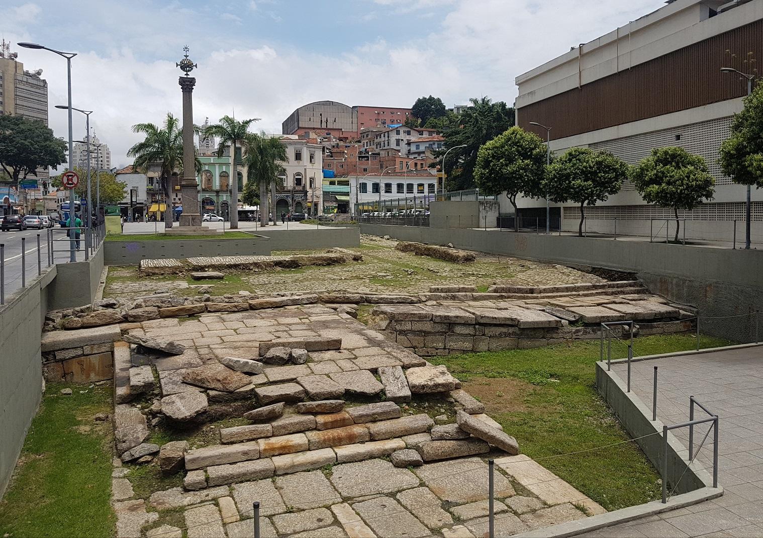 Pelo Cais do Valongo, em apenas 20 anos, passaram pelo menos 500 mil escravos. Foto Oscar Valporto