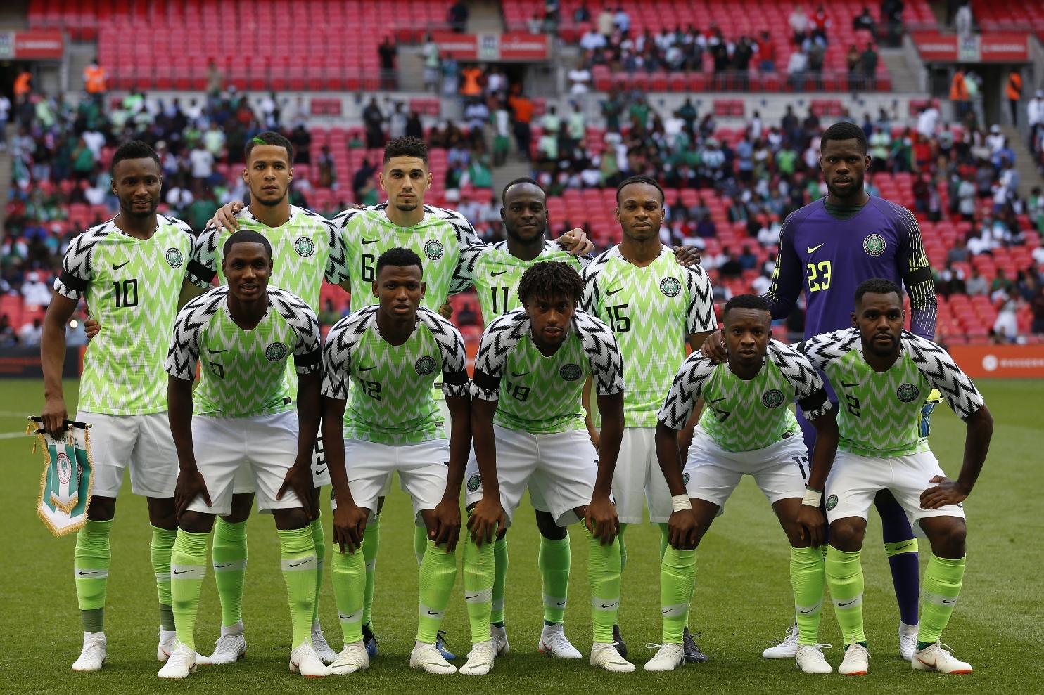 A seleção da Nigéria e seu uniforme que já nasceu icônico. Foto de Ian Kington (AFP)