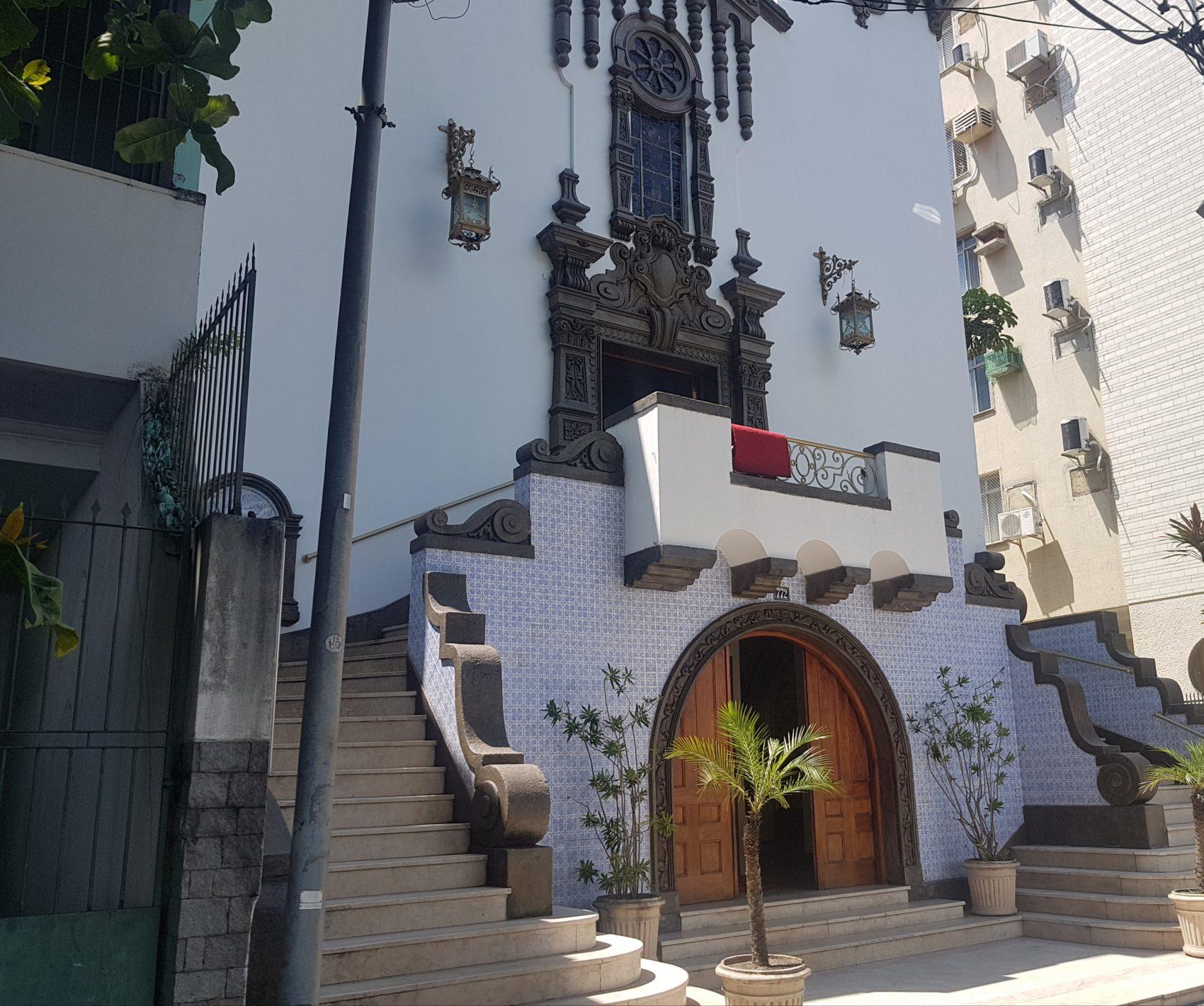 A igreja de 1933, um dos marcos da Urca (foto Oscar Valporto)